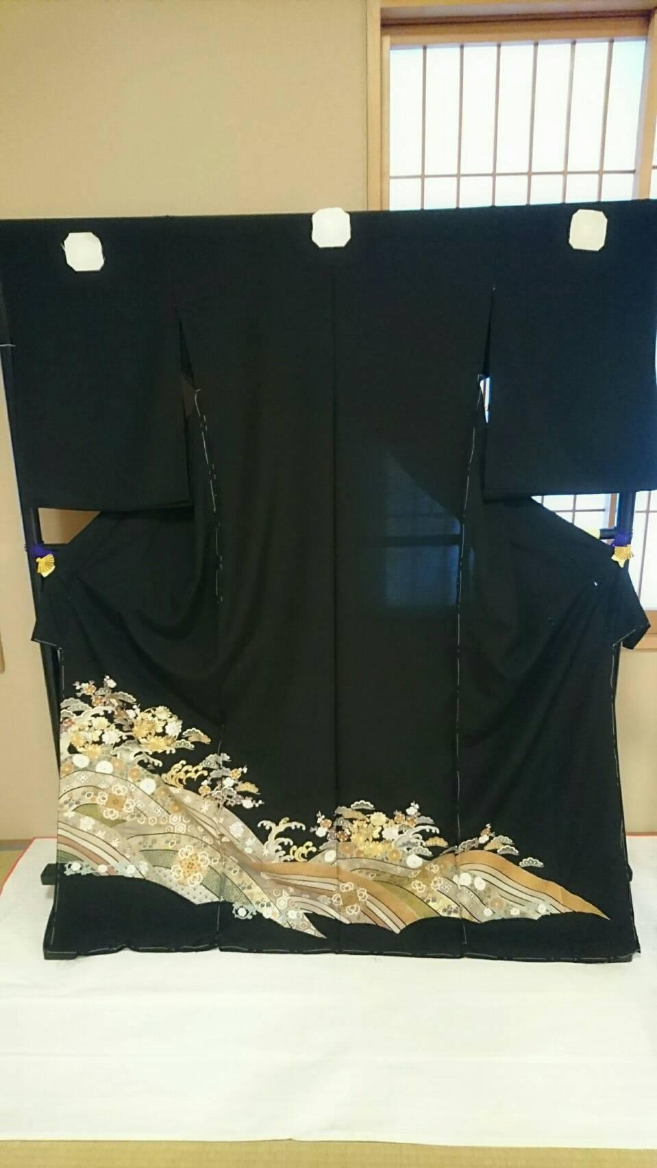 菅原呉服店の黒留袖①